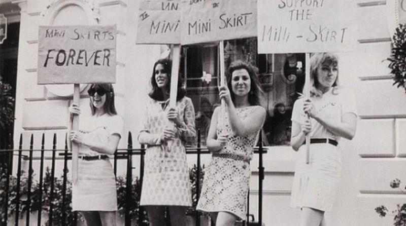 Když se Dior vrátil k trendu dlouhých sukní, uspořádala Britská společnost pro ochranu minisukně demonstraci před jeho módním domem. foto: Flickr