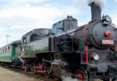 Nový historický vlak Párou Prahou poprvé vyrazil na okružní jízdu