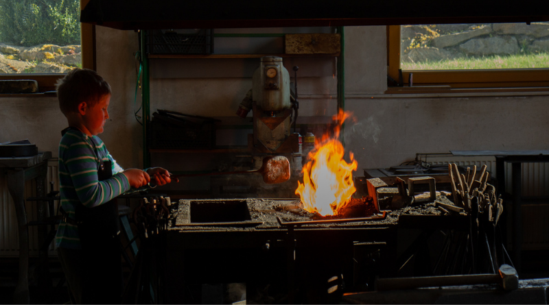 O malém kováři a krásné kovářce